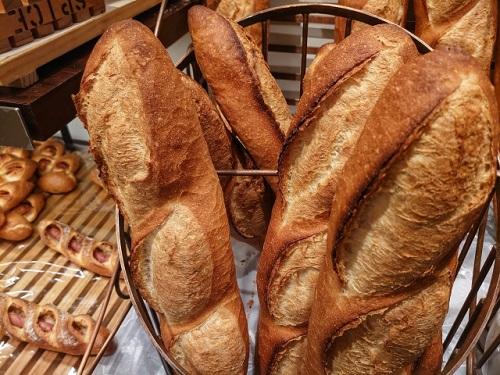 フランスの若者は柔らかいバゲットを好む!ストロベリーチークは食べ物が造る