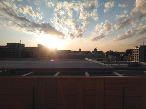不思議な空の魅力に取りつかれています!1日とて同じ空は無し変化を楽しむ